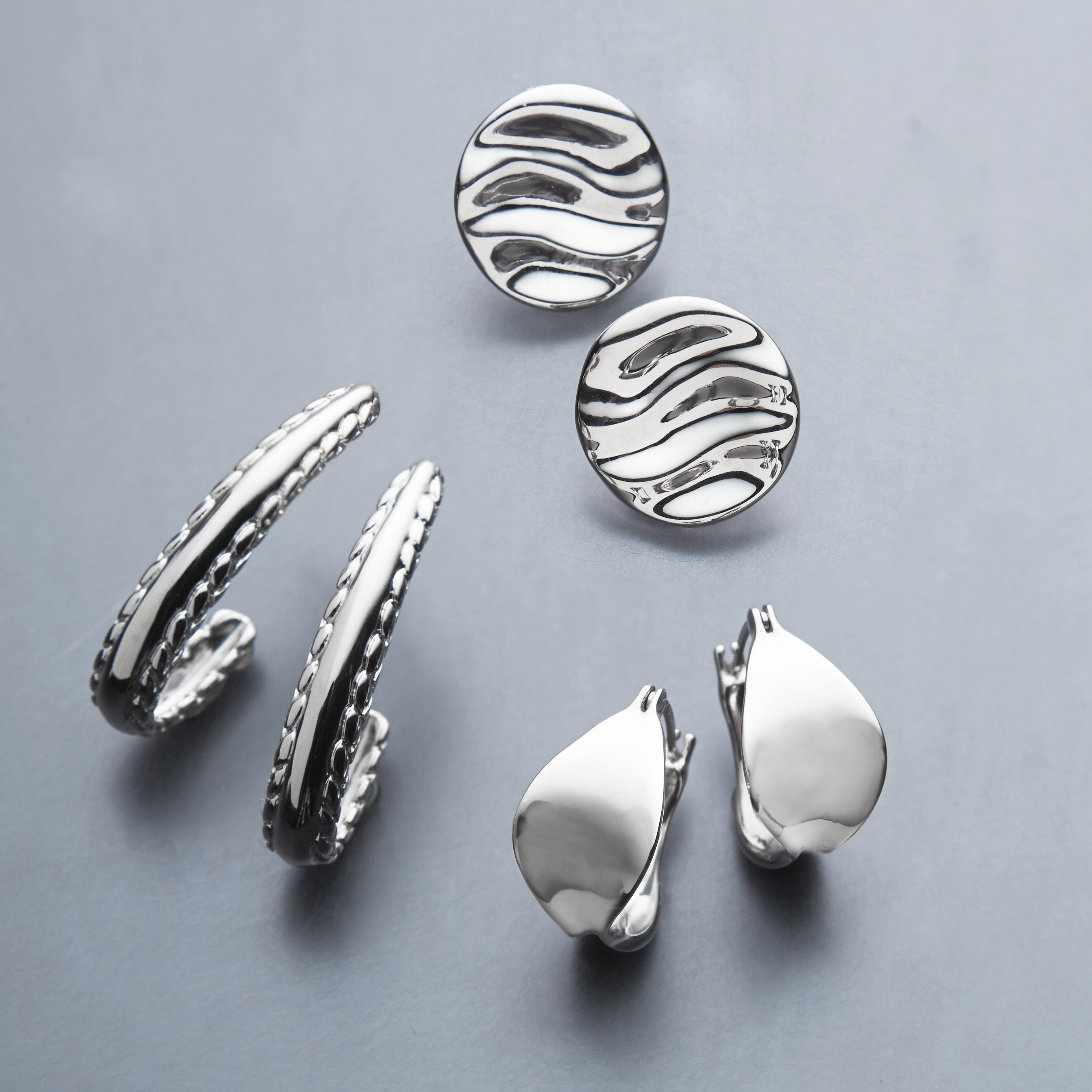 Rippled Stud Earrings image number 3